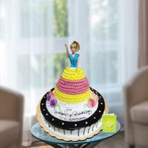 round base barbie cake